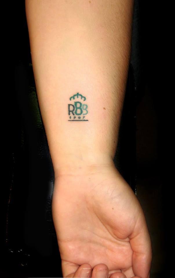 Tatuajes Del Escudo Del Betis twotattoo | mini tattoo rbb real betis balompie | betis | pinterest