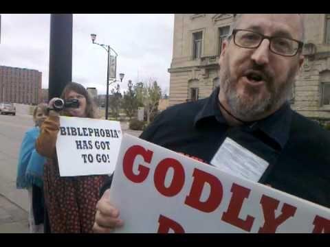 James the Preacher Picketing American Atheist Convention, Iowa 2011