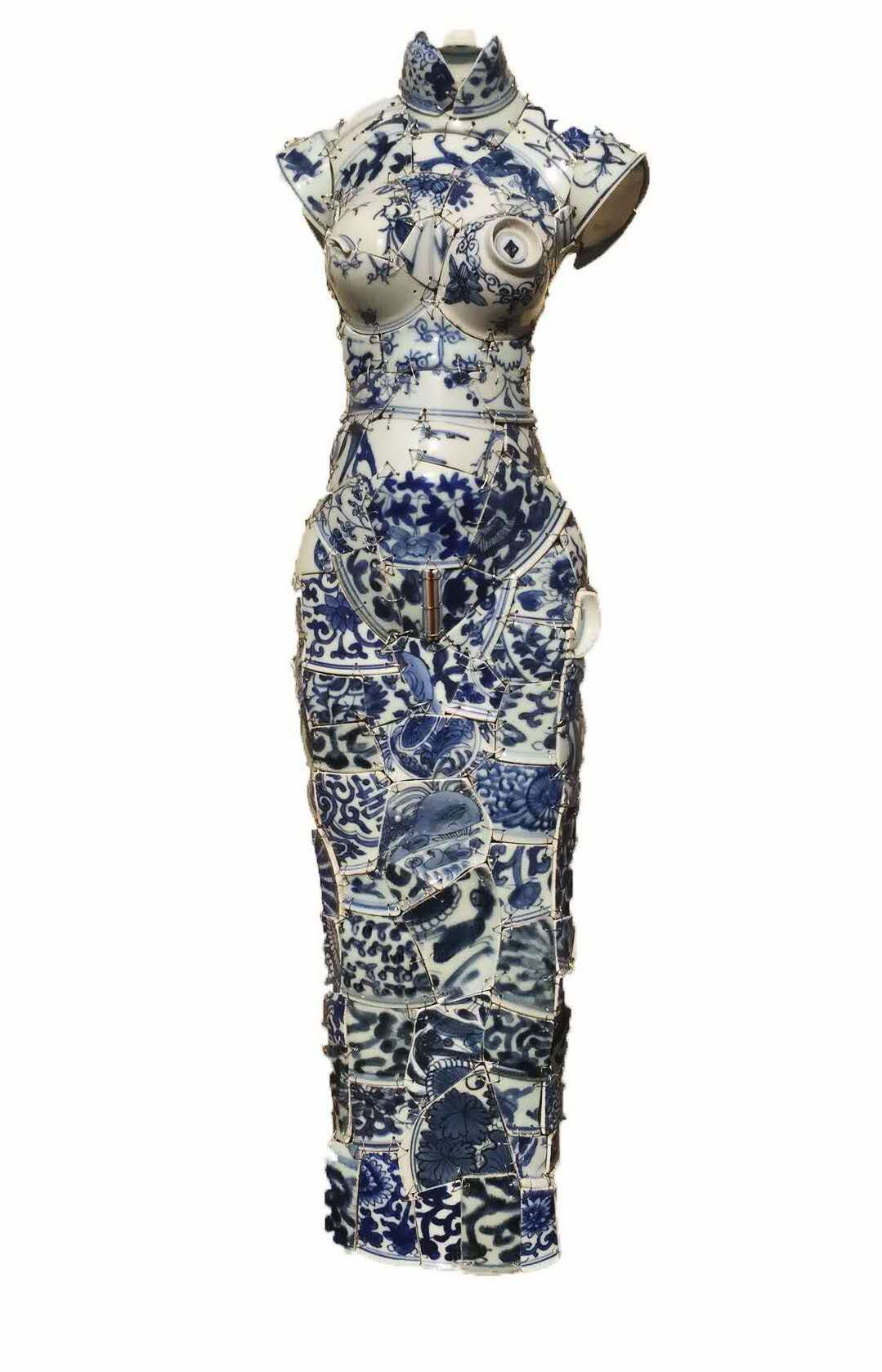 "Artist Uses Hundreds of Shards of Chinese Porcelain to Create ""Wearable"" Art #wearableart"