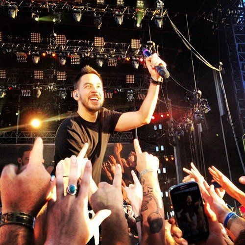 MIKE SHINODA Honey your smile is golden...its my sunshine.