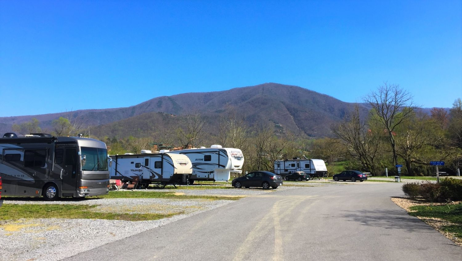 7 Best Rv Parks Campgrounds In The Pigeon Forge Area With Images Best Rv Parks Rv Parks And Campgrounds Rv Parks