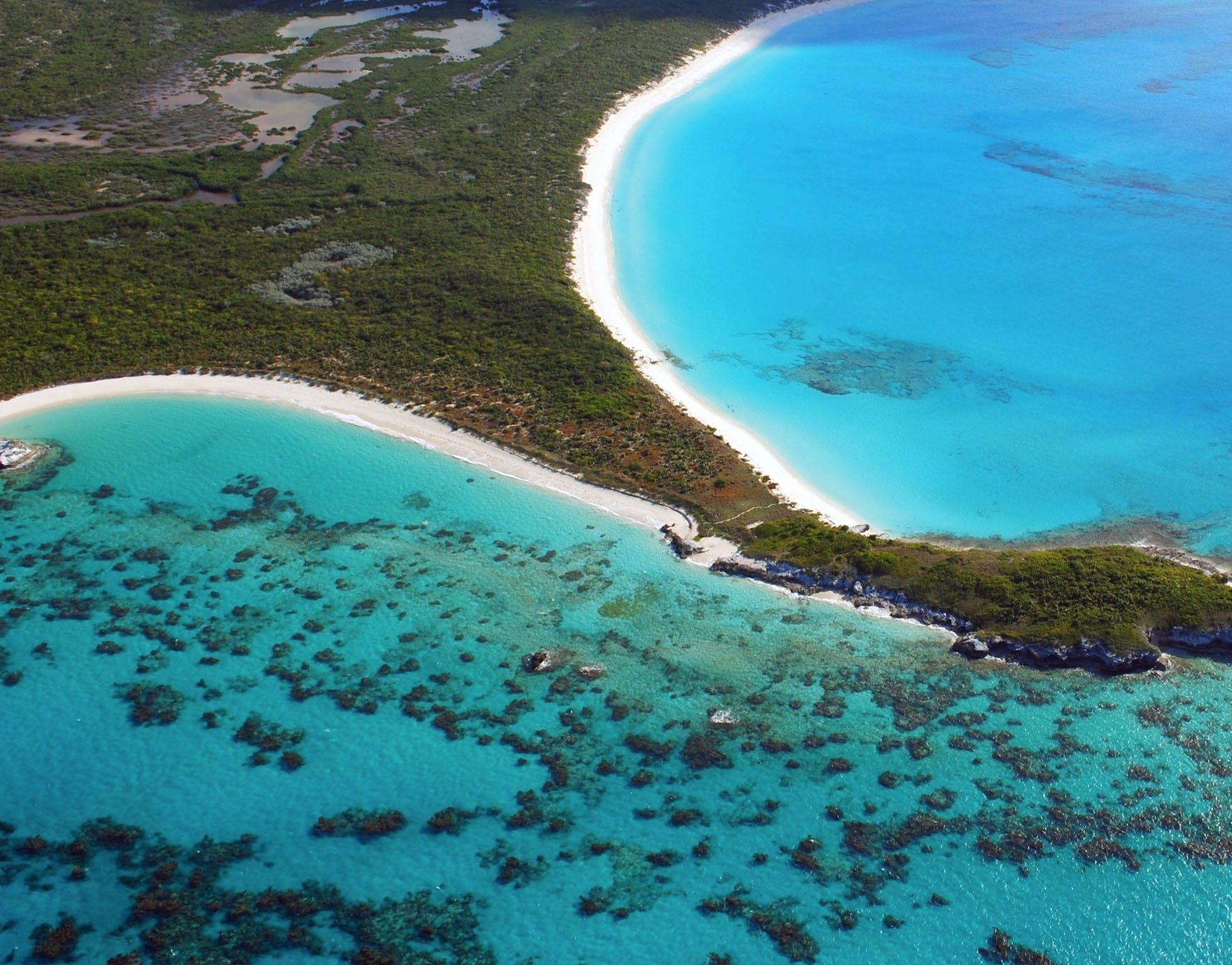Stunning Blue Rum Cay Bahamas Caribbean The Bahamas - Where is the bahamas located