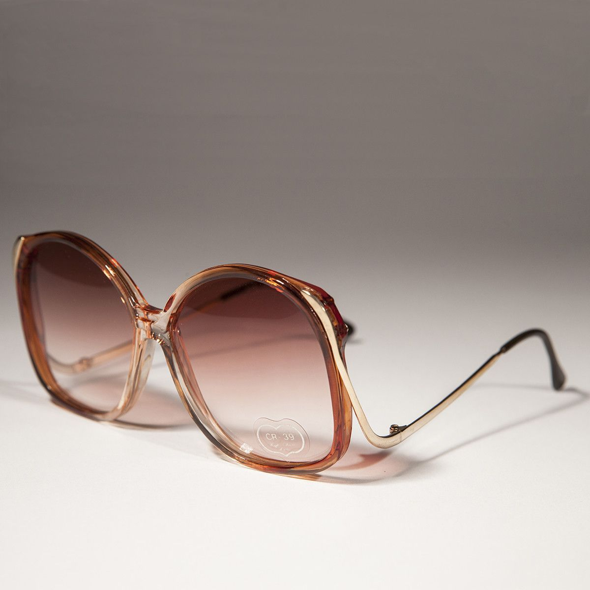 e5379cf774 Oversized Round Women s Vintage Sunglass with Colored Lenses - Lindsey