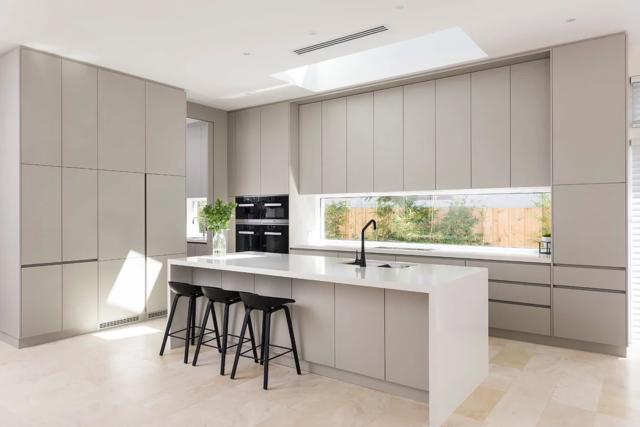 Source 2020 Lansenluna Furniture Australia Modern Design Matt Beige Color No Handles Mdf Lacquer Kitche In 2020 Kitchen Cabinet Styles Beige Kitchen Kitchen Bar Design