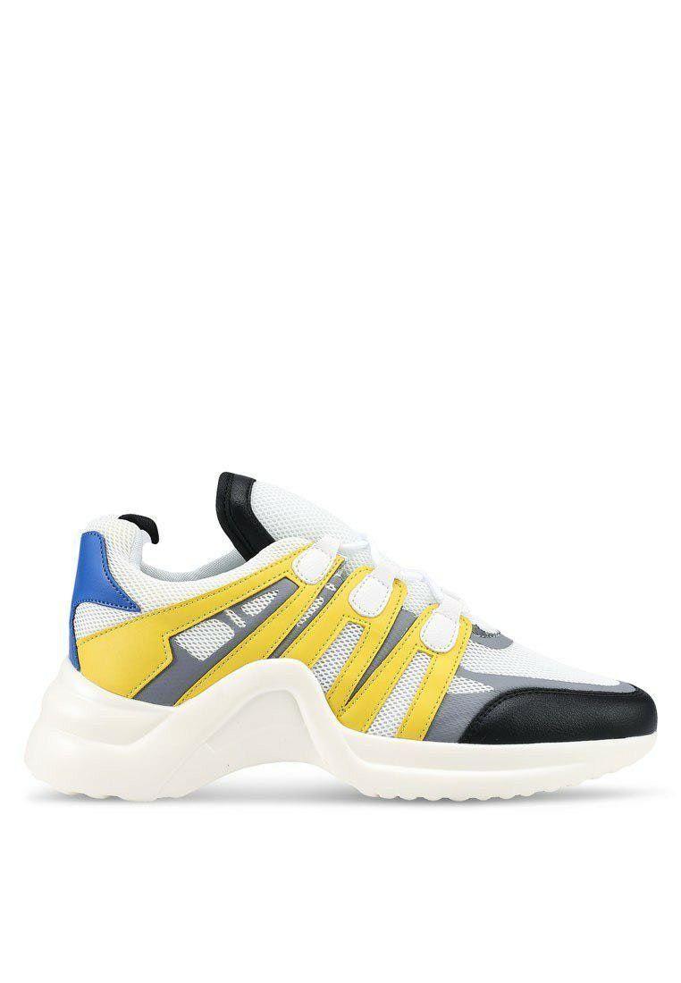 Sepatu Keren Ini Siap Menemani Outfit Kece Mu Kemanapun Kamu Pergi