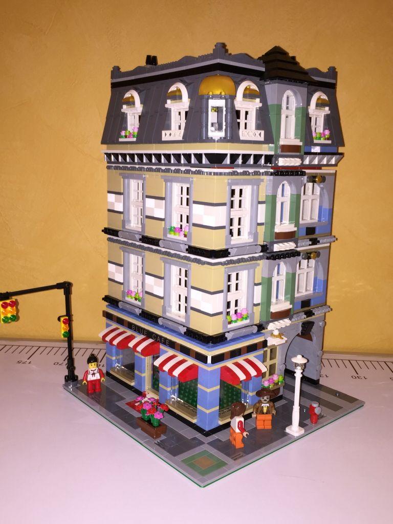 Blue Café Corner Building MOC