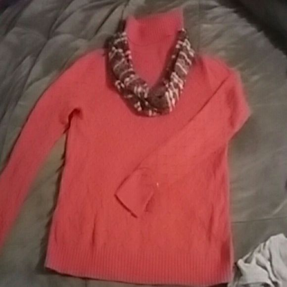 Croft&Barrow turtleneck sweater Peach/orange cowl neck turtleneck sweater. Comfortable great for fall and or spring. Can be dressed up or dressed down. Great condition worn a few times. Smoke free home. Beautiful colour!! Croft & Barrow Sweaters Cowl & Turtlenecks