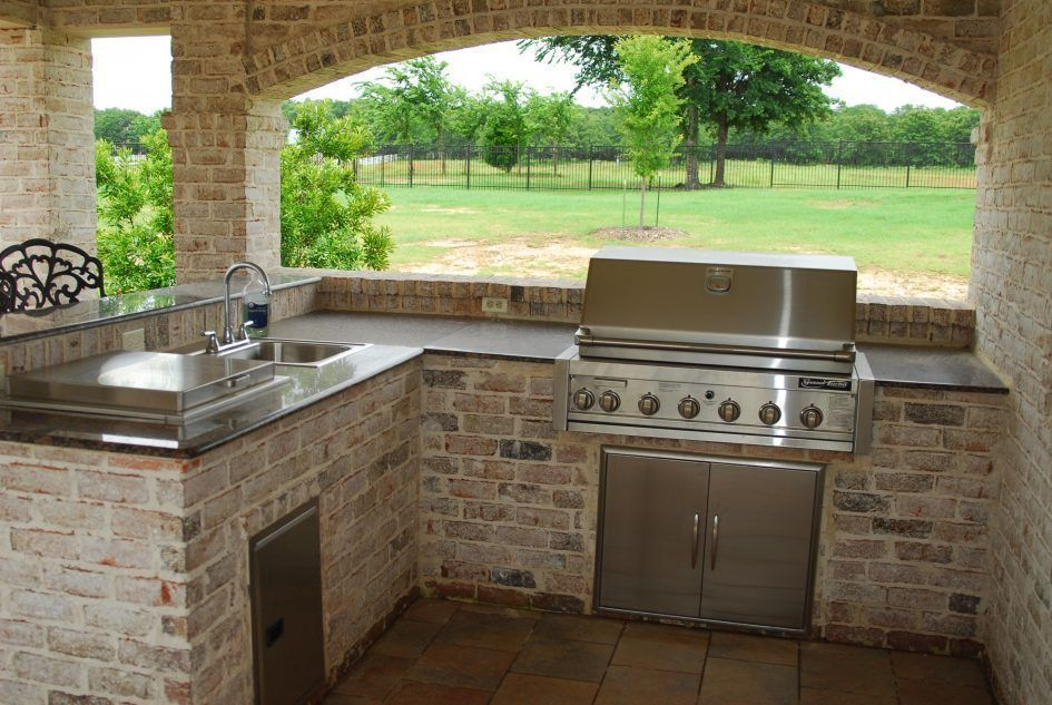 Design Ideas Bull Outdoor Kitchen Layout Plan Range And Fireplace ...