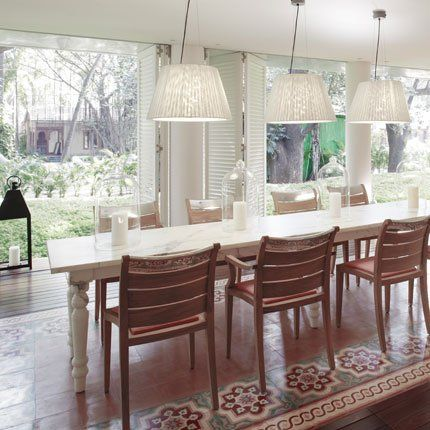 Dinning room with indian inspiration by Philippe Starck