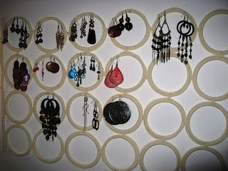 How to keep your earings always available for you to see and choose ... it's a great idea