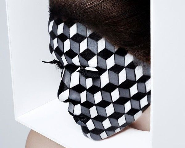 Inspiration cubism makeup illusion with graphic 3d for Geometric illusion art
