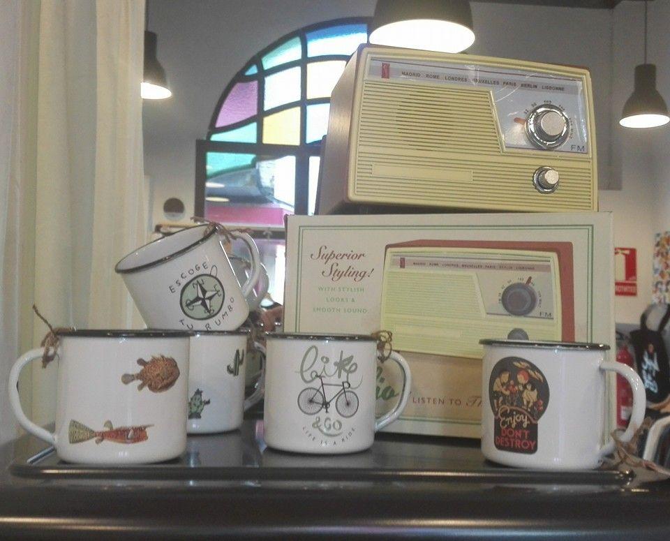 Los RETROPOT en uno de nuestros puntos de venta por España www.retropot.es Tazas de metal, personalizadas y colección propia. Tazas de acero esmaltado RETROPOT retro y vintage