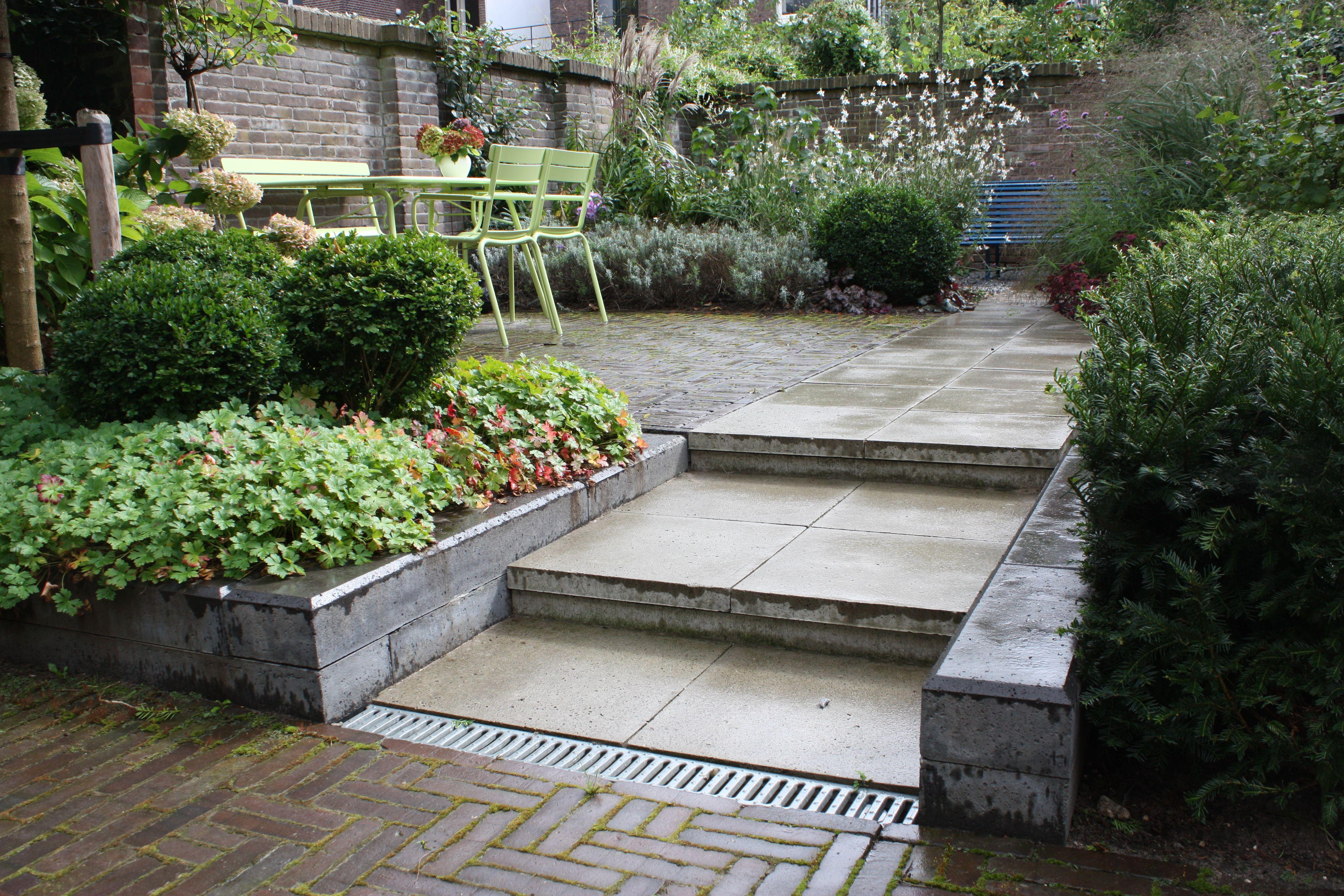 Stadstuin of kleine tuin inrichten tips voor kleine tuinen tuin pinterest dream garden - Decoratie jardin terras ...