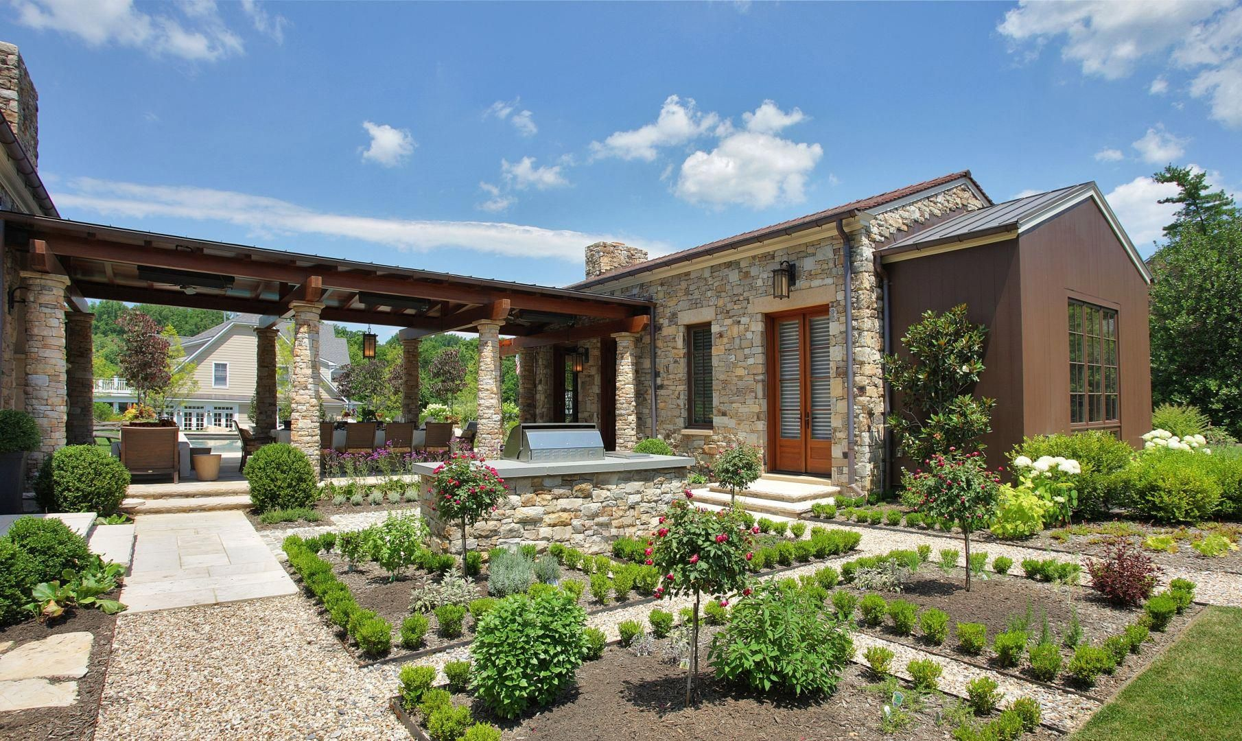 multi generational homes with casitas Friday Fabulous