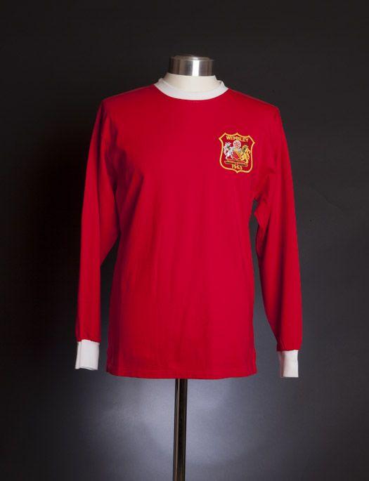 buy popular 5cb07 e1b26 Manchester United 1963 FA Cup Final shirt. 1963: Manchester ...