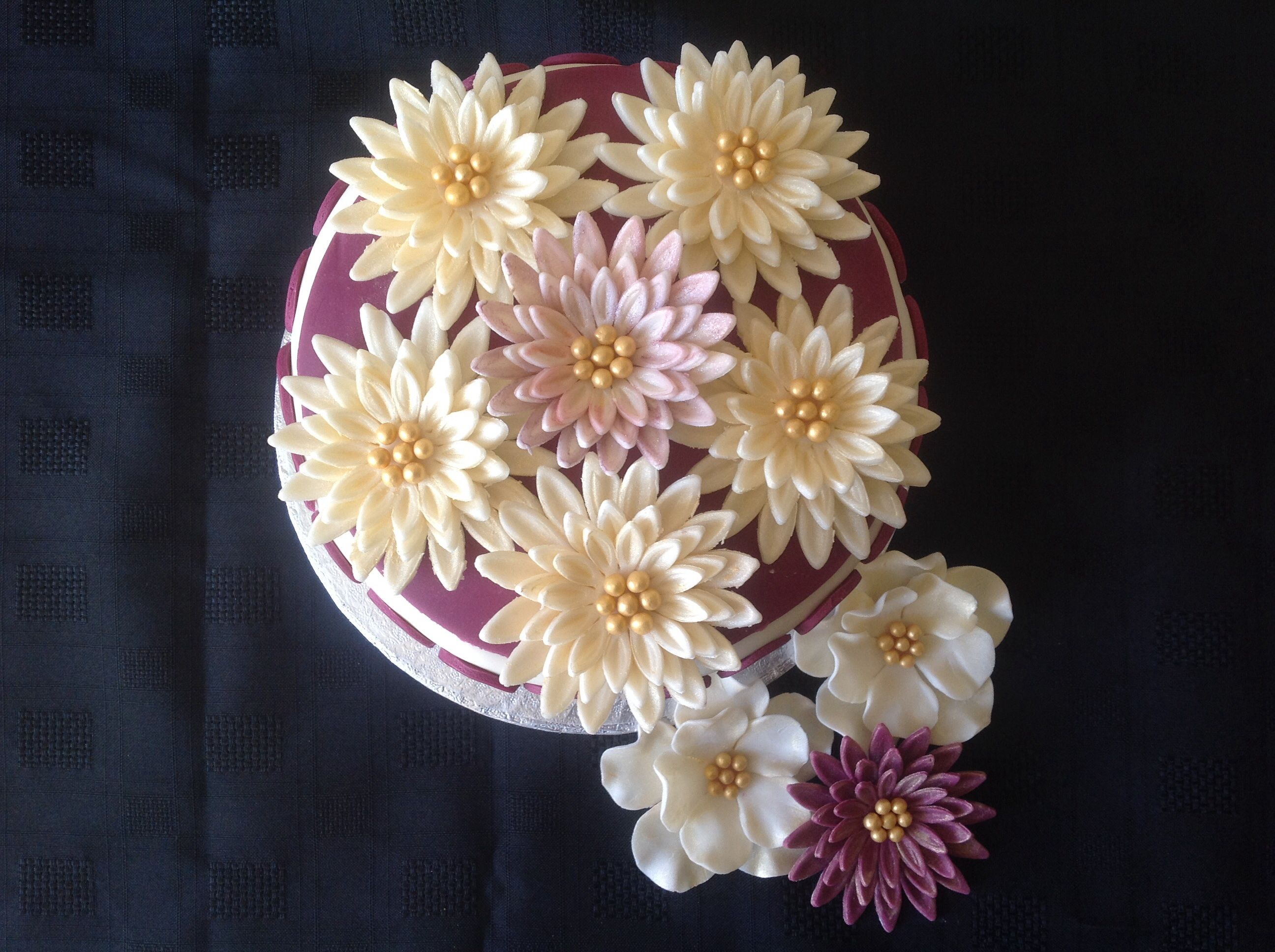 Th anniversary cake fondant cake decorated with flowers