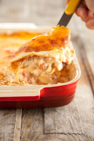 If Paula Dean made it, you know it's good. Mexican Chicken Casserole. Yes, please, and oh so easy!