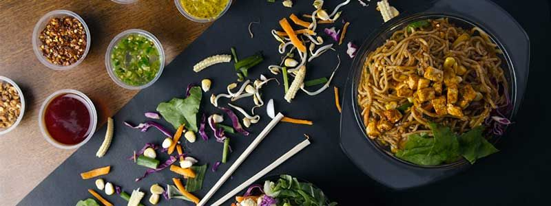 Order Chinese Asian Food Online From Wok In The Box Fort Fort Mumbai Scootsy Food Online Food Asian Recipes