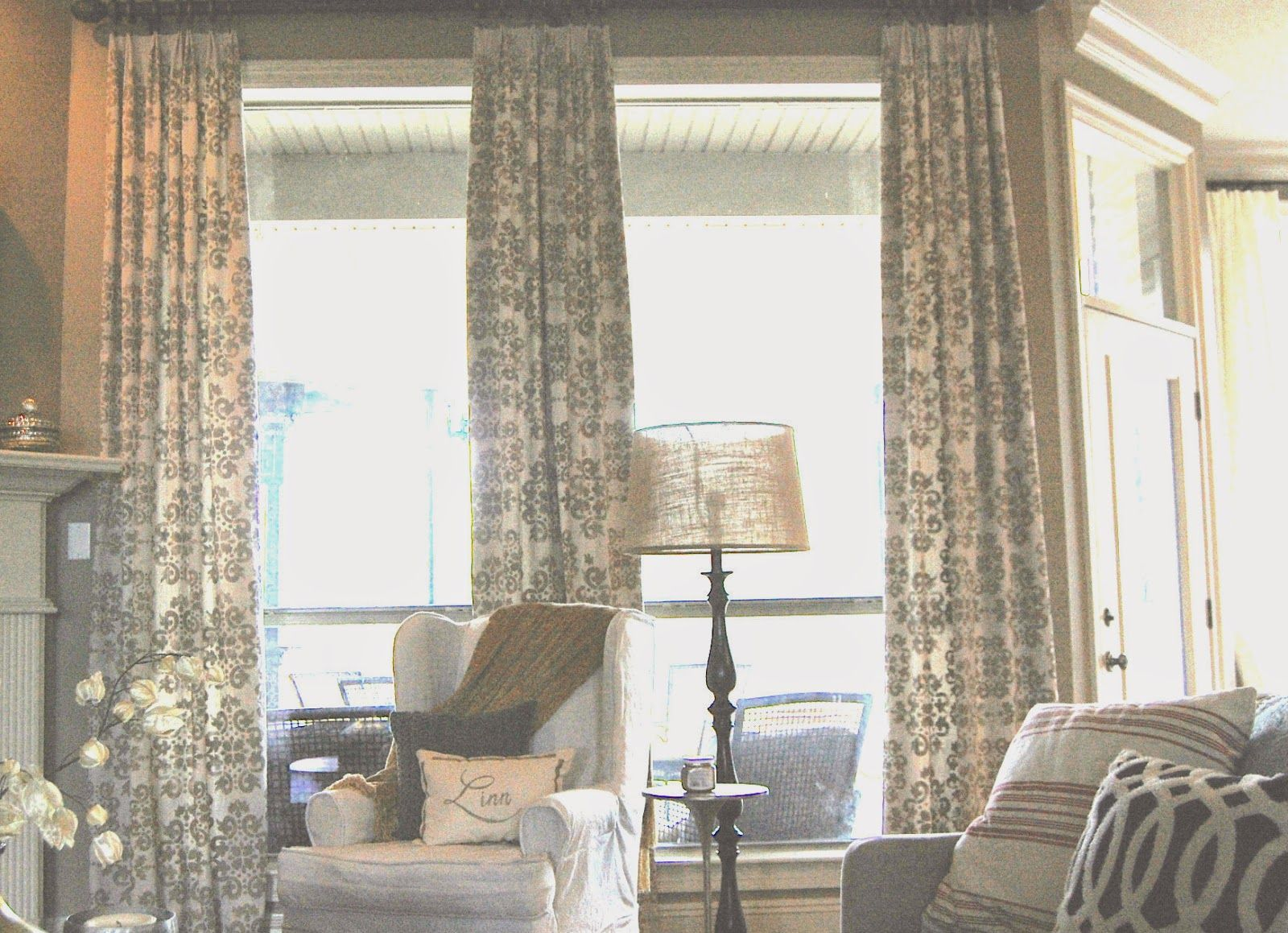 Kitchen nook window treatments  hello all i hope you had a great weekend i have an exciting