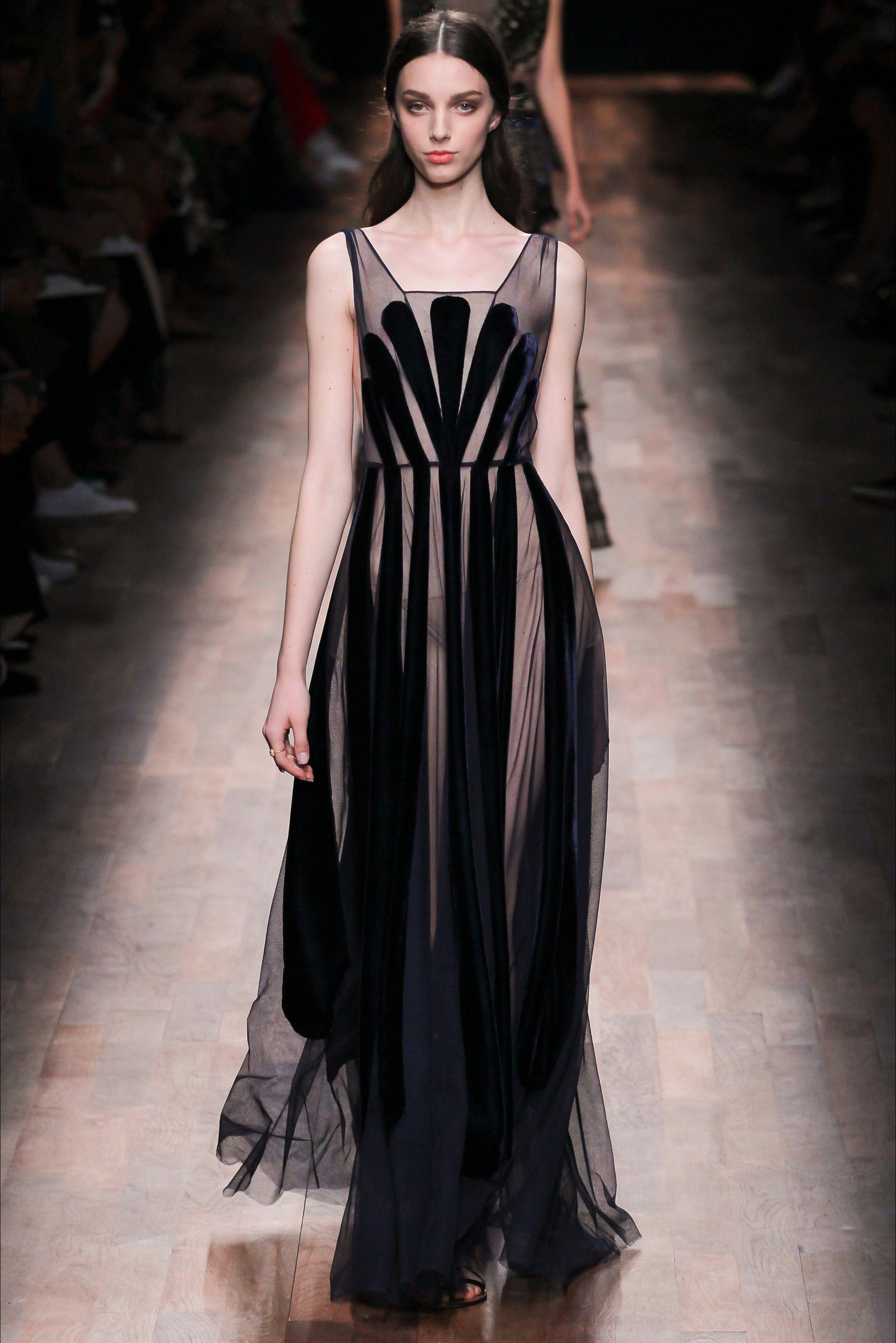 c5669389e4 Sfilata Valentino Parigi - Collezioni Primavera Estate 2015 - Vogue ...