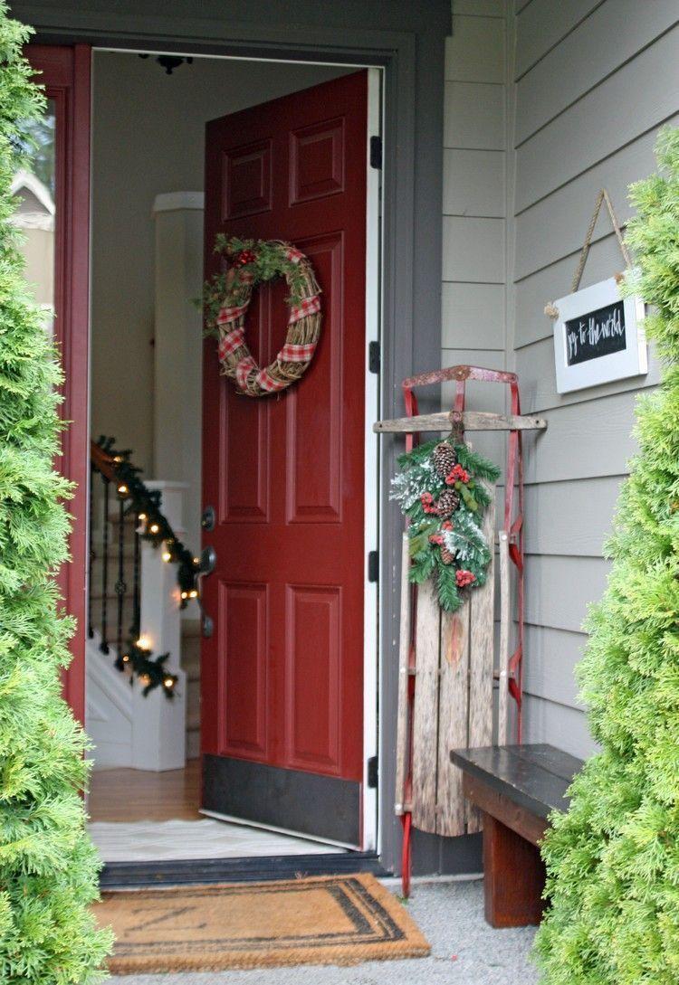 Haus Eingang Schlitten schmücken Türkranz # Weihnachtsdekoration # Ideen ... #Ästeweihnachtlichdekorieren