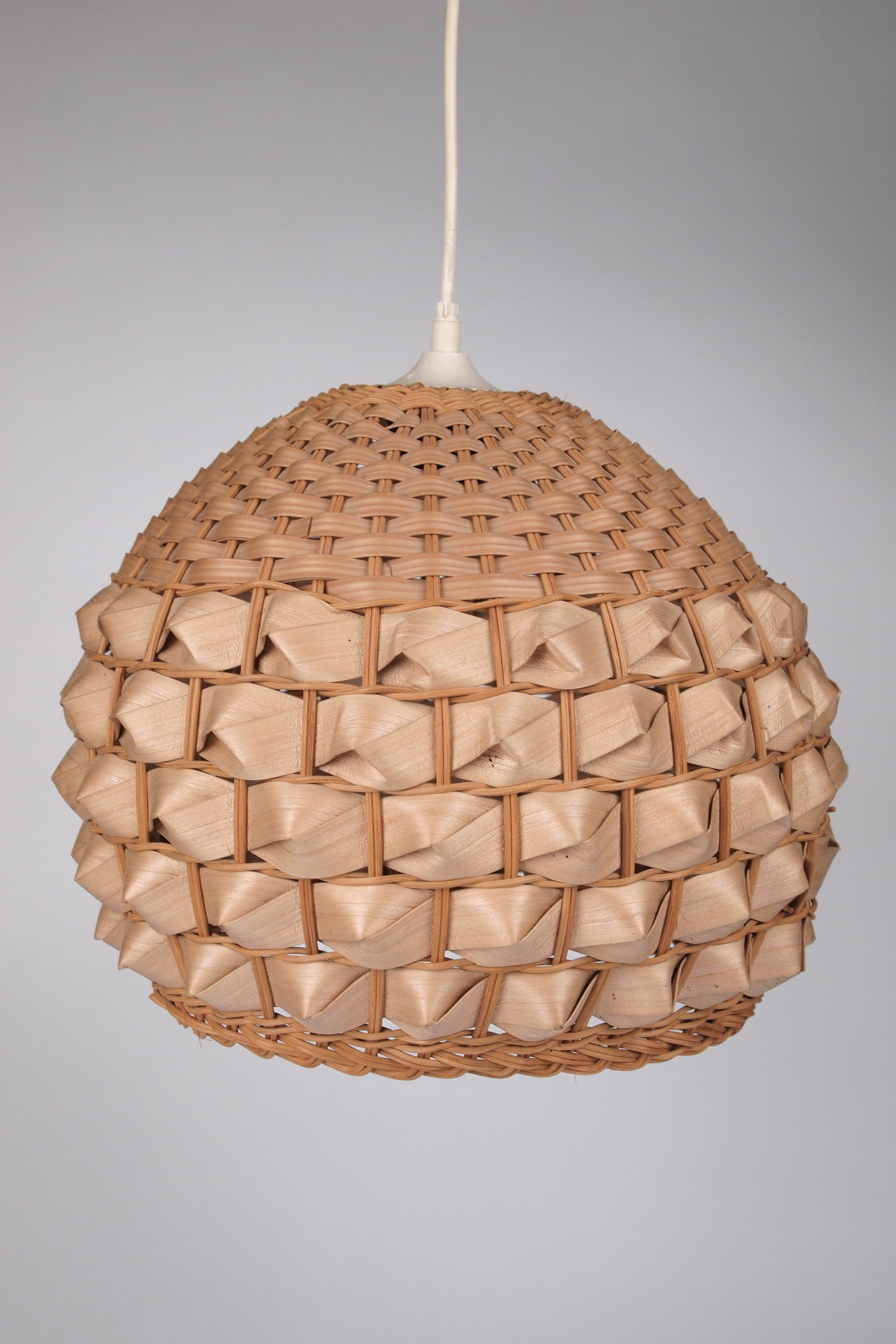 Beautiful woven lamp shade light fittings tutorials and beautiful woven lamp shade aloadofball Image collections