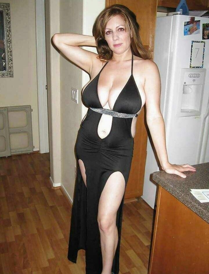 Beseke recommend Watch milfs suck dick for free