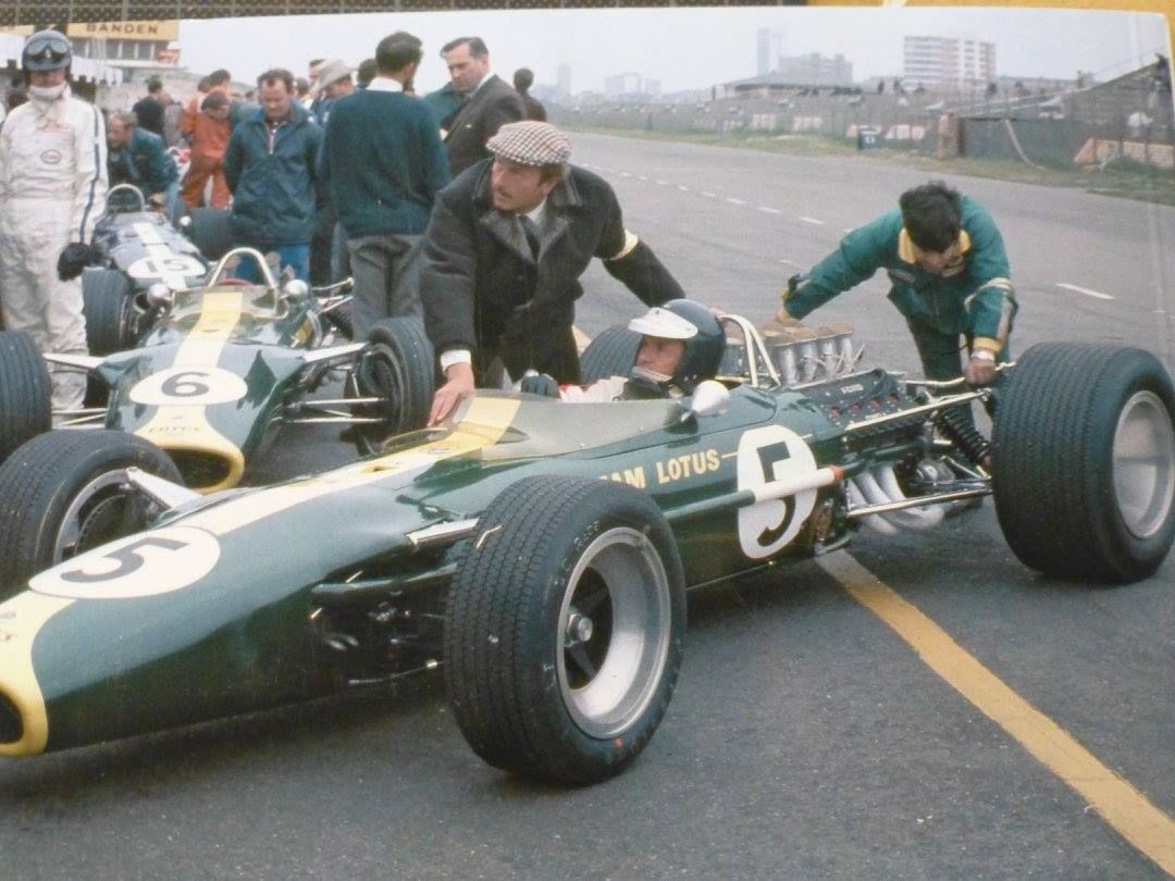 Jim Clark, Lotus 49, Zandvoort 1967. Graham Hill, background ...