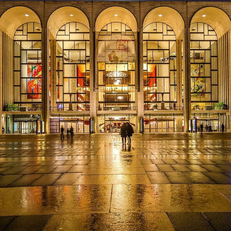 Noel Y C On Instagram The Metropolitan Opera House At Lincoln Center For The Performing Arts In Manhatt Metropolitan Opera Theatre Architecture Opera House