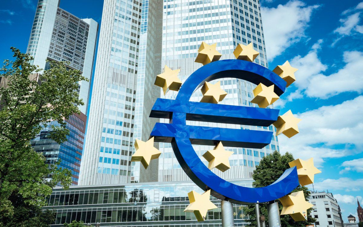 Ecb Official Says Digital Currency Could Be An Alternative To Cash Read Here Http Bit Ly 37mrppw Bank For International Settlements Currency Central Bank