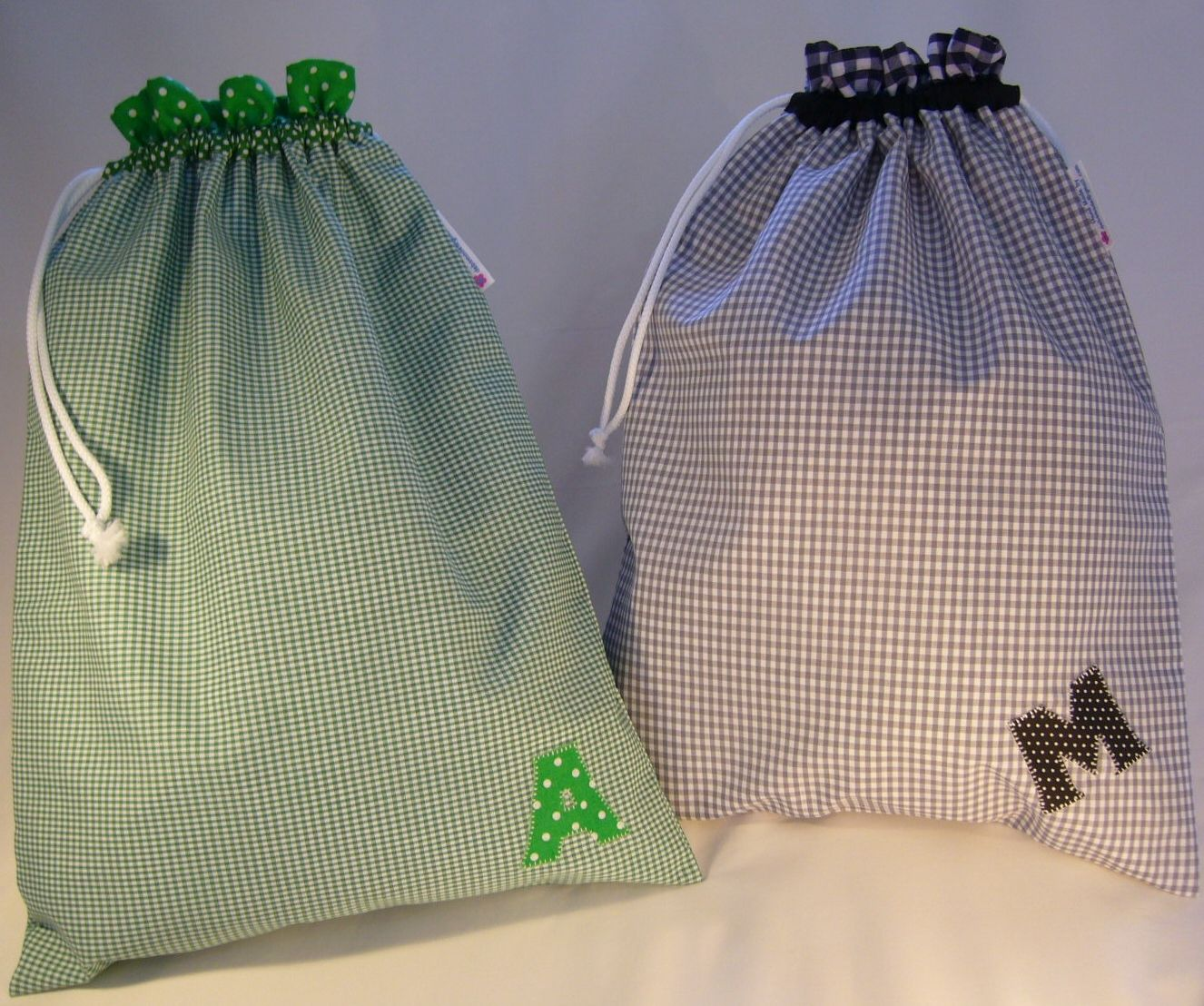 Really useful lined Shoe bags from Etsy.com: DebsMade