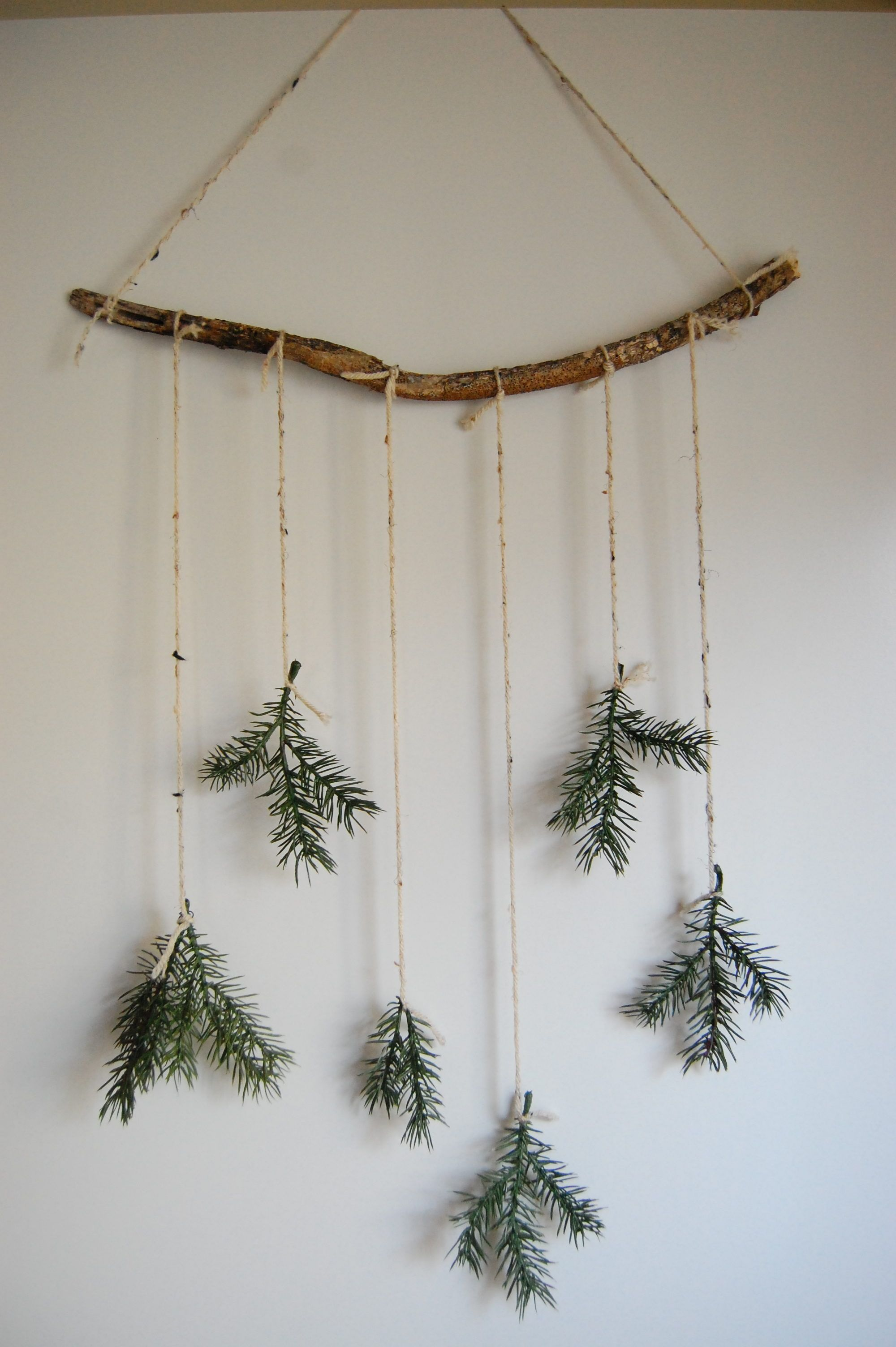 diy minimal christmas decor #christmasdecor