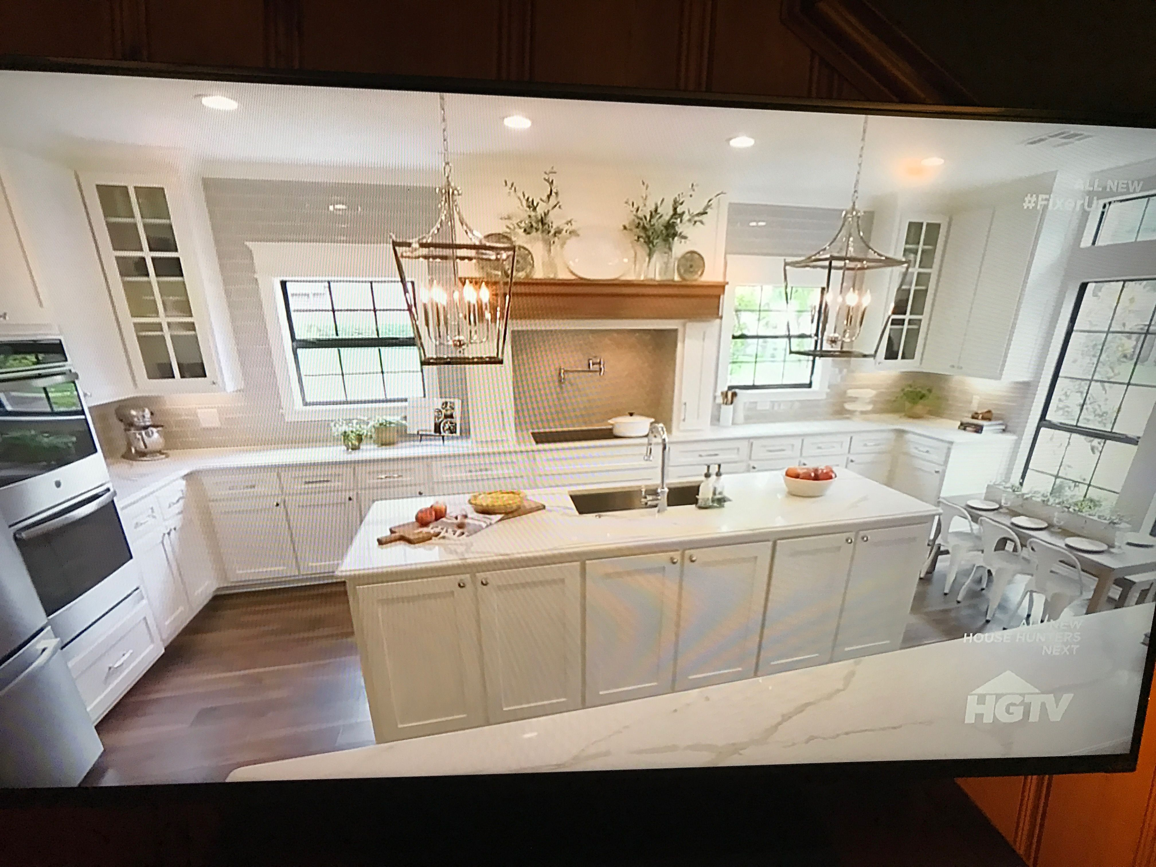 Fixer upper kitchens season 4 - Fixer Upper Season 4 Stately In White Kitchen Exactly What We Want