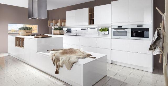 Grifflose Weiße Küche Mit Kochinsel Hochglanz Lack