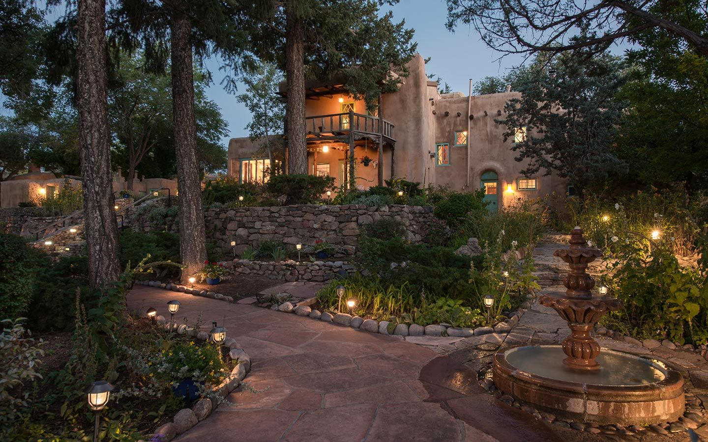 Inn of the Turquoise Bear Santa Fe, NM Bed and
