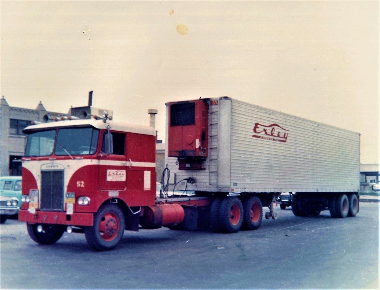 Pin By A G Ranbo On American Semi Trucks From Times Gone By Trucks Semi Trucks Vintage Trucks