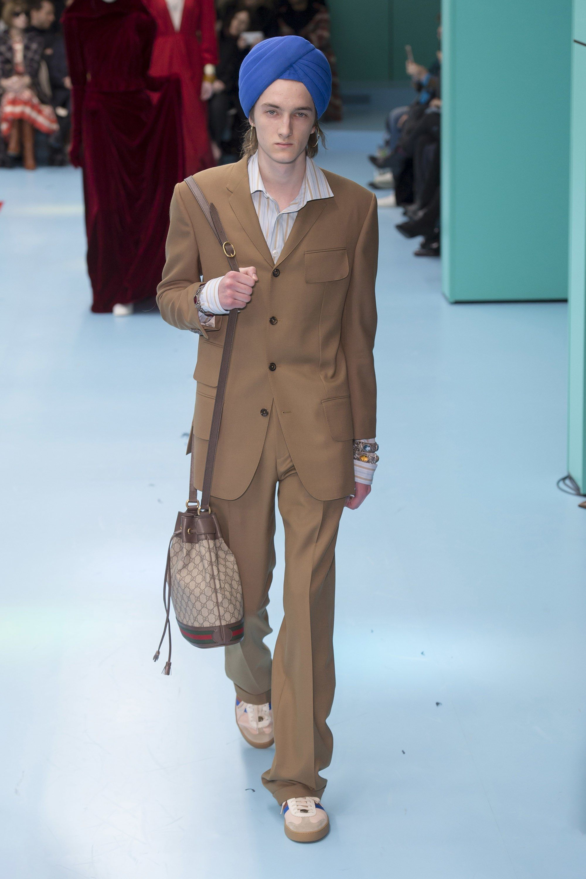 e2fa4d3a3453a Gucci Fall 2018 Ready-to-Wear Collection - Vogue