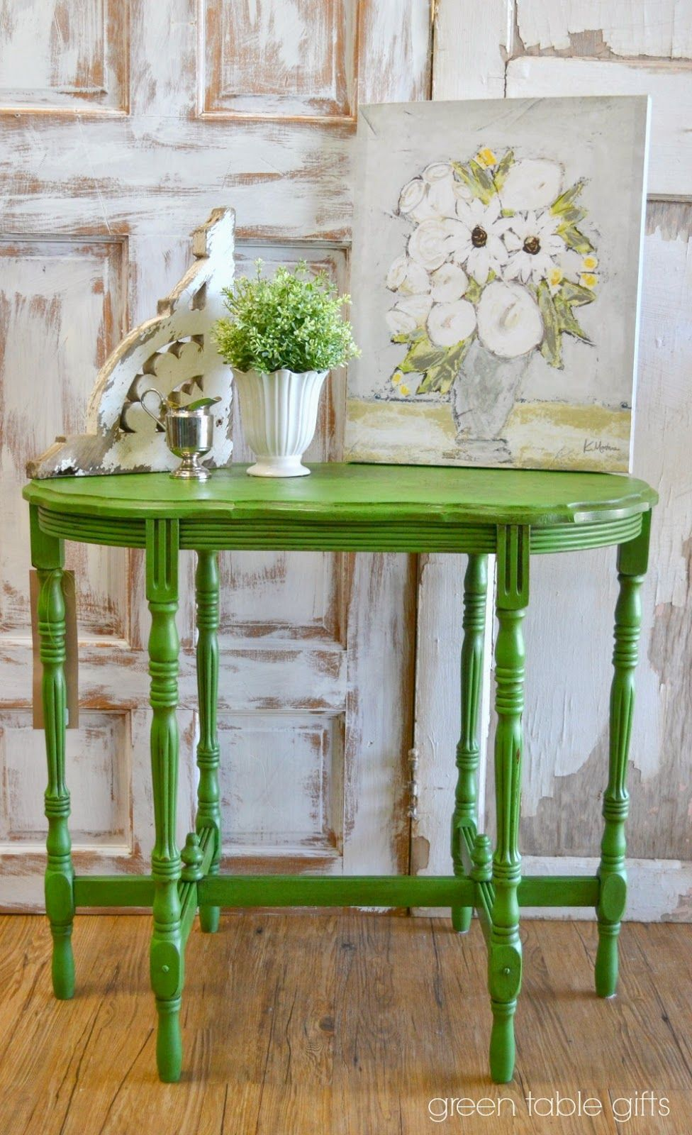 Green Table Gifts: fresh paint // june Antibes Green #chalkpaint decorative paint by Annie Sloan