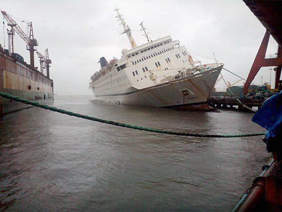 La fine ingloriosa della ex MSC Melody!   Cruise ship, Floating hotel,  Passenger ship