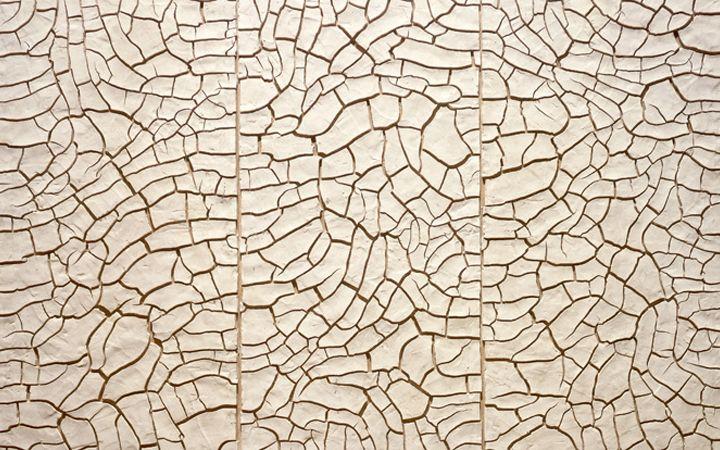 Alberto Burri (1915 -1995) was een Italiaanse schilder en beeldhouwer. Hij wendde zich tot de abstracte kunst en maakte collages met gebruikmaking van materialen als puimsteen, teer, jutezakken en metaal. Hij geldt als een voorloper van de arte povera en zijn stijl wordt gerekend tot de art informel. Fondazione Palazzo Albizzini . Città di Castello . Perugia
