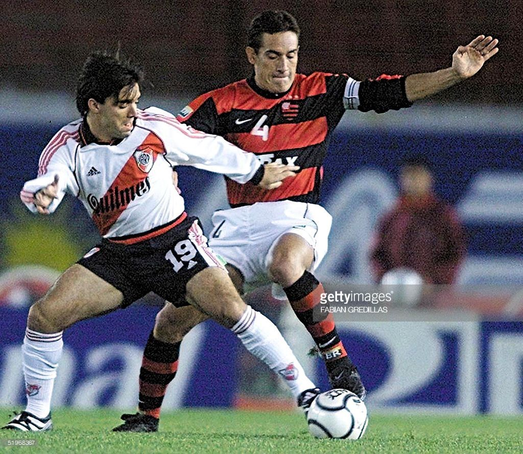 Brazil S Flamengo Player Carlos Gamarra R Takes The Ball From