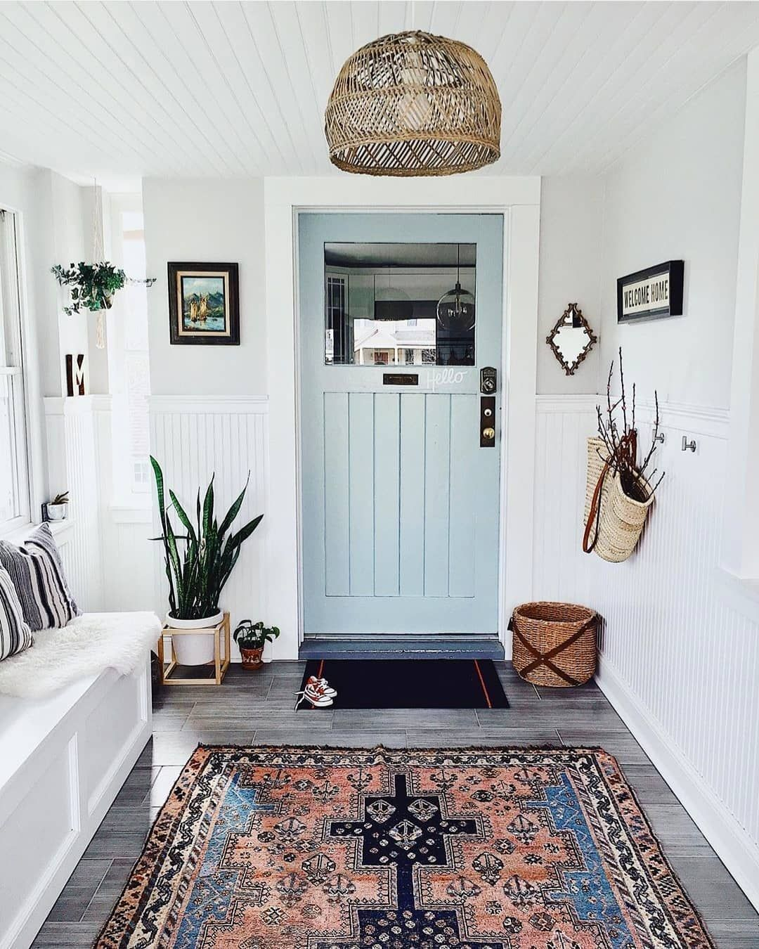 What a lovely looking entry way to your home! Double tap if you agree 😄🤗. [📷 credits to: @houseofsixinteriors] . . . . . #homedecoration #nordicdeco #hallway #homedecorinspiration #decorstyle #decorinspiration #nordicdecor #madeco #decolovers #simplehomestyle #dailydecordose #interiordecor #instadecoration #intetiorinspo #interiordeco #interiordecorator… Continue Reading → The post What a lovely looking entry way to your home! Double tap if you agree . [ credit… appeared fir