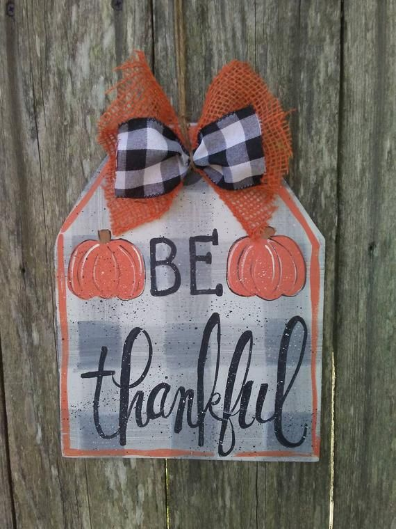Fall door hanger, Fall tag, FALL decor, be thankful sign, Thanksgiving decor, door hanger, farmhouse decor, buffalo plaid sign #falldoordecorationsclassroom