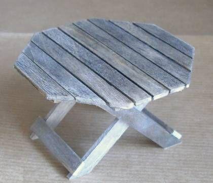 Urne - Table de jardin en batonnets … | WOOD & STICK crafts ...