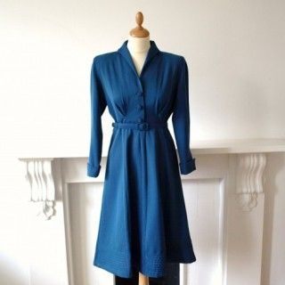 1940s teal blue wool dress with ridge detail hem    £90