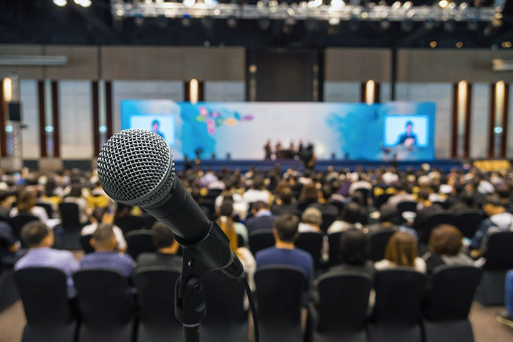 Most speakers pay lip service to storytelling, but what they really ...