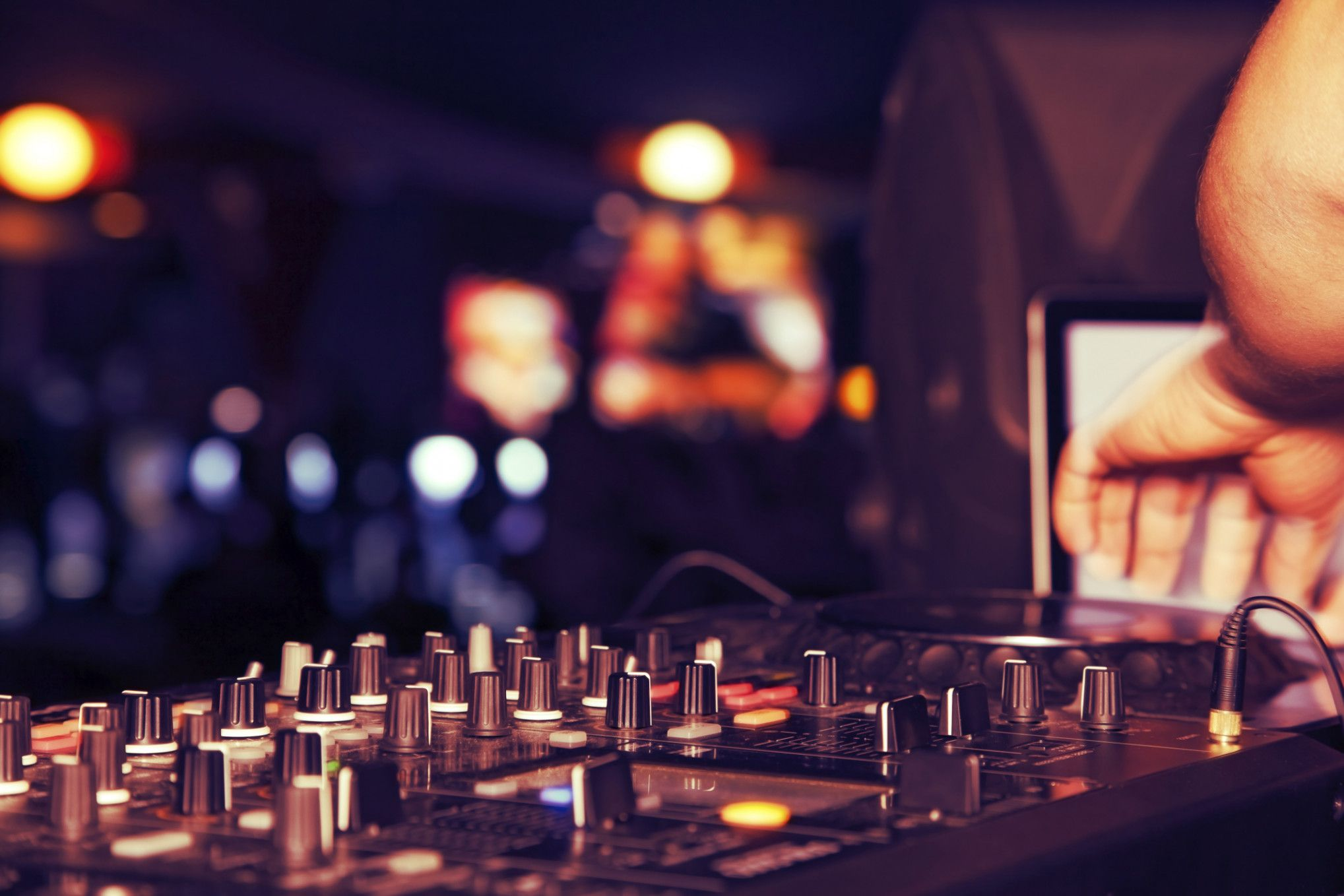7 Facts About Cheap Wedding Djs That Will Blow Your Mind