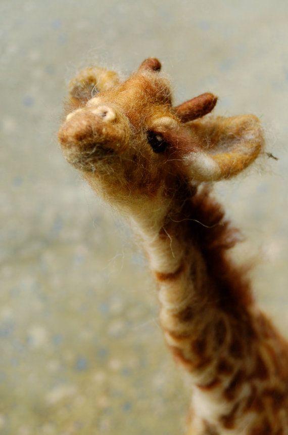 Zuri: Day 17 Needle Felted Giraffe von SarafinaFiberArt auf Etsy