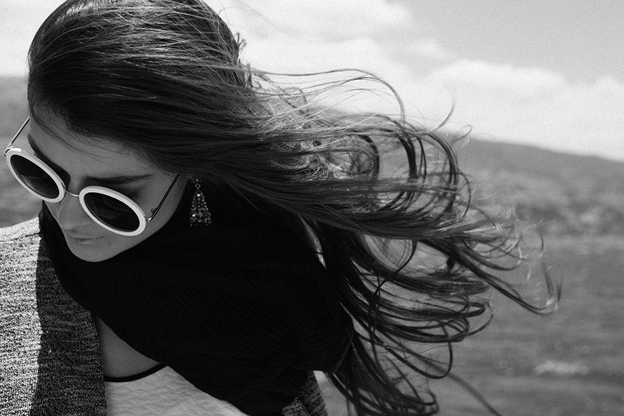 #labellecollection #navidad #christmas #colección #mujer #catalogo #ETAFASHION #etafashion #lago #sanpablo #Imbabura #ropamujer #woman #clothes #gafas #aretes #accesorios #chaqueta #top #blackandwhite
