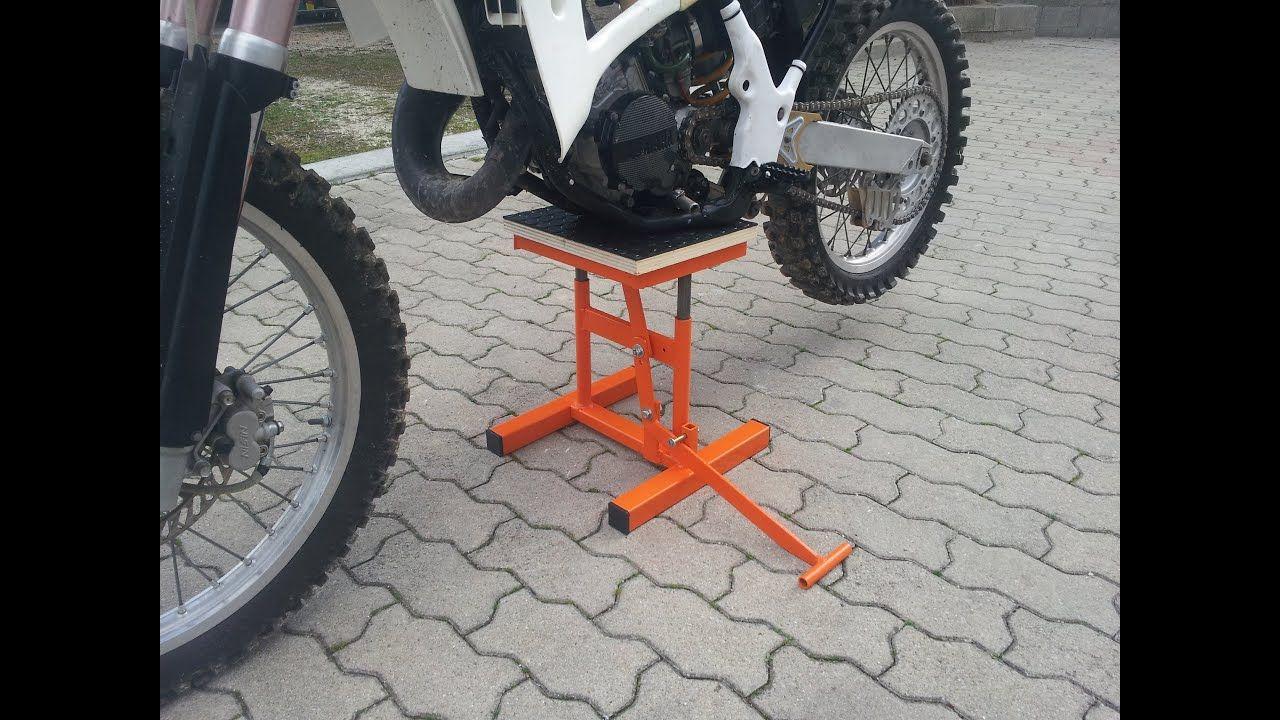 Alzamoto Fai Da Te Homemade Dirt Bike Lift Stand Youtube Bike Lift Bike Bike Stand